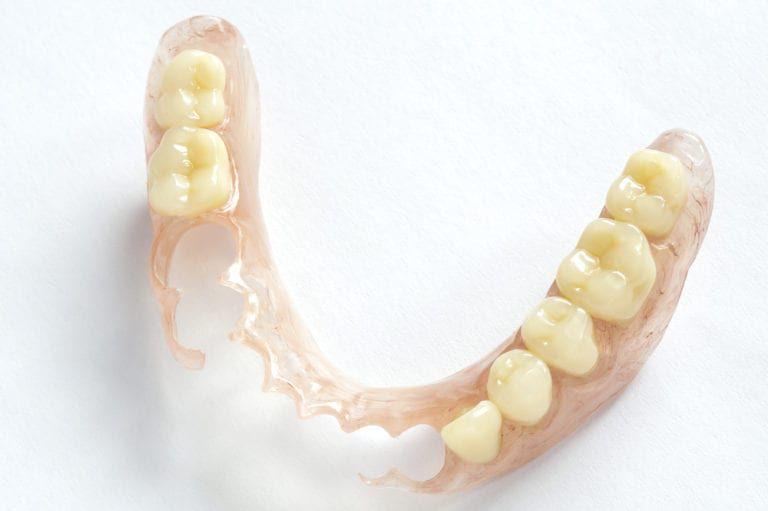 Removable-Dentures-768x511